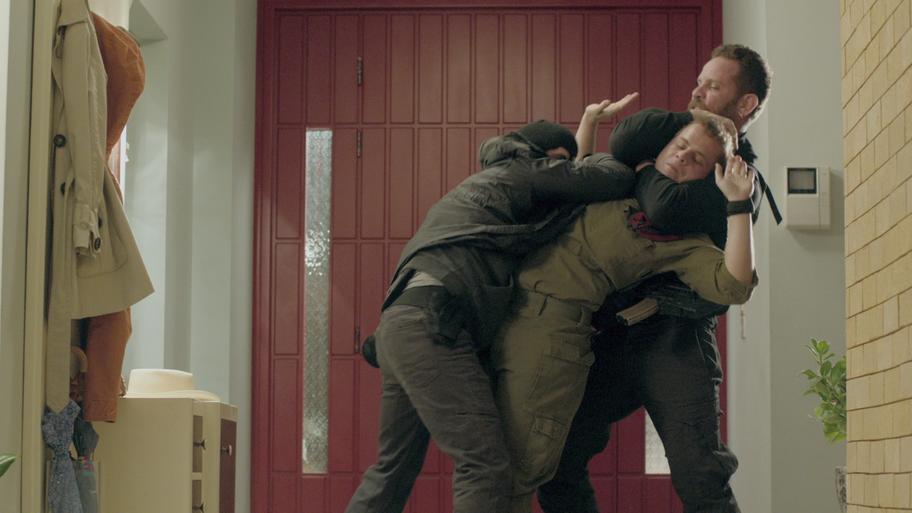 Episodio 5 (TTemporada 1) de Hostages