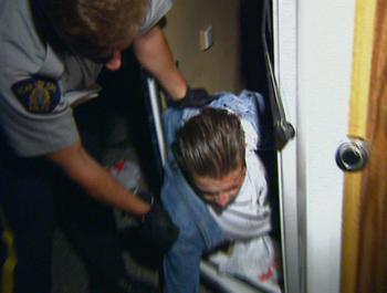 Episodio 5 (TTemporada 4) de Under Arrest